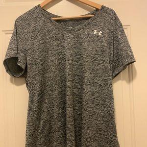 EUC Under Armour Short Sleeve Workout shirt -Gray
